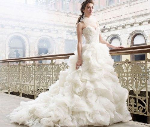 Desain Gaun Pengantin Terbaik