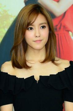 Memilih Model Rambut Pendek Wanita Dan Pria Dari Segi Karakter - Gaya rambut pendek sebahu ala korea