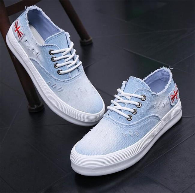 Sepatu Kets Trendy untuk Wanita - Ragam Fashion d036df65fb