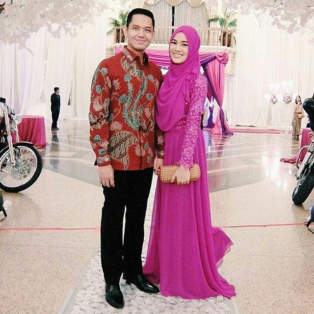Baju Batik Ala Artis: Desain Baju Batik Pesta Ini Bakal Bikin Kamu Hits